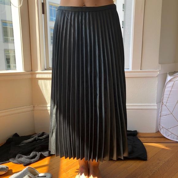 2d790a3e Zara Skirts   Pleated Skirt Size S   Poshmark